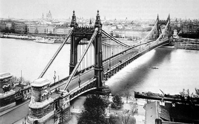 For 23 years, until 1926, the Elizabeth Bridge was the suspension bridge with the largest span of the world